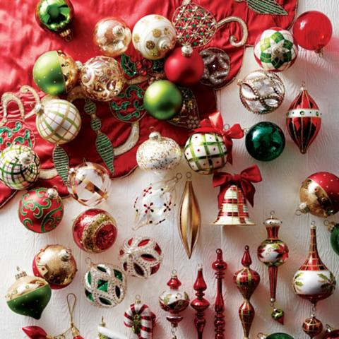 classic christmas 60 pc ornament collection
