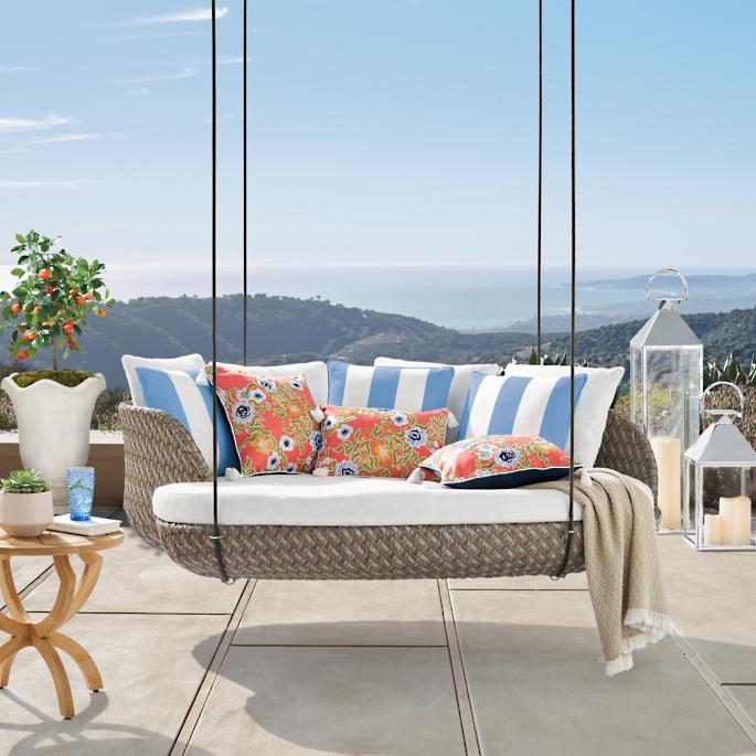 Ungdommelige Malia Hanging Daybed | Frontgate TP04