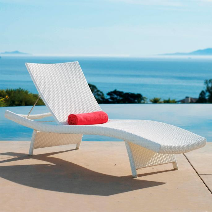 Sensational Set Of Two Balencia White Chaise Lounges Pdpeps Interior Chair Design Pdpepsorg