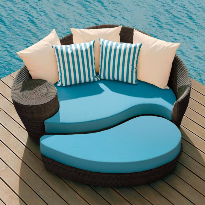 Dune Daybed And Ottoman With Cushions And Pillows Frontgate
