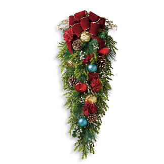 Outdoor Christmas Window Swags.Christmas Centerpieces Christmas Swag Frontgate