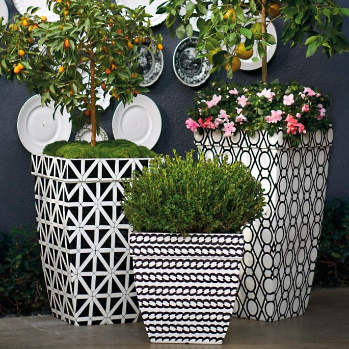 Madison 19\  Black and White Planter & Madison Planters in Black and White | Frontgate
