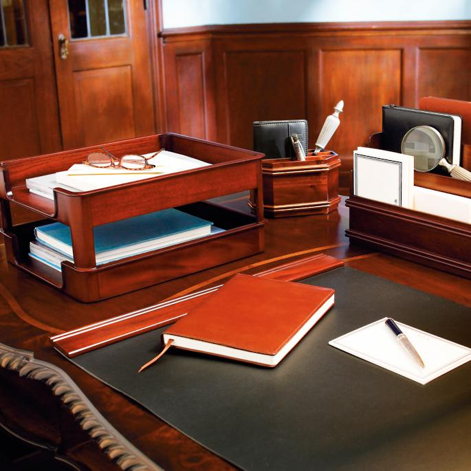 Tremendous Mahogany Executive Desk Accessories Frontgate Home Interior And Landscaping Mentranervesignezvosmurscom