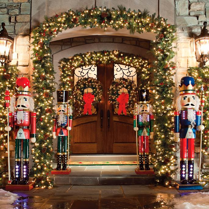 Classic Outdoor Pre Lit Garland Frontgate