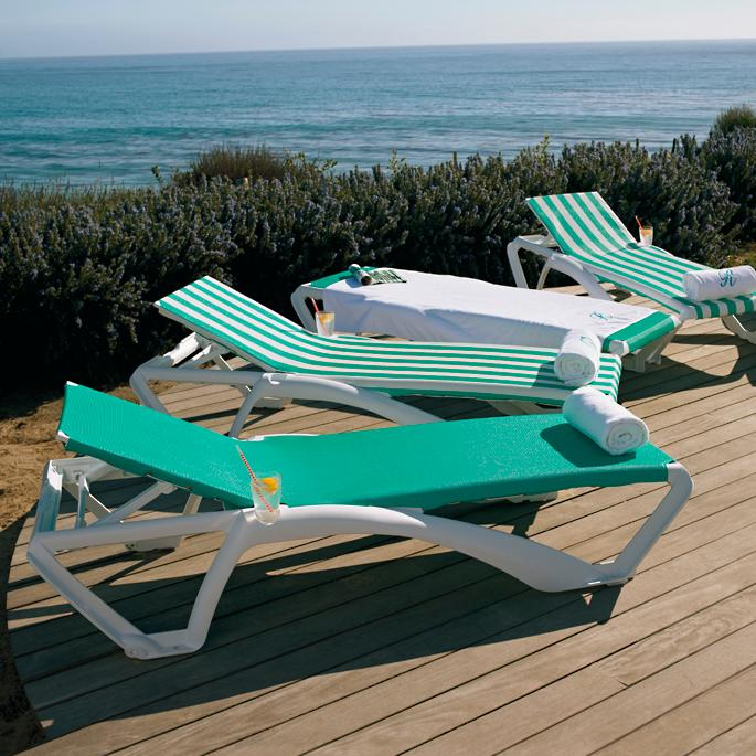 Resort Stacking Mesh Chaise Frontgate